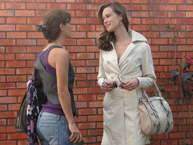Clara provoca Diana