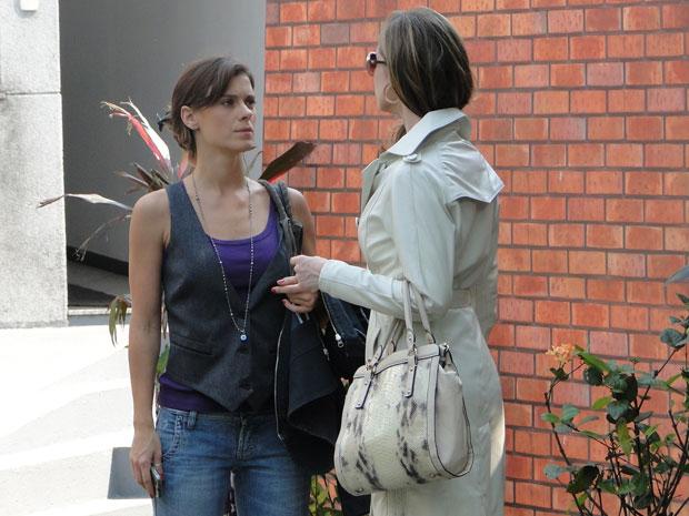 Diana fica furiosa com o cinismo de Clara