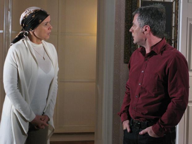 Bruna e Gustavo discutem por causa de Julinho