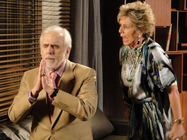 Furiosa, Clô grita com Olavo, que reza para ser perdoado pela esposa