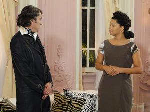 Jacques não bota fé no plano de Clotilde