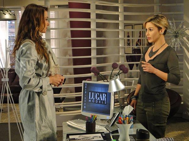 Luisa chama Dorinha para trabalhar
