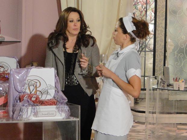 Jaqueline e Rosário brindam por terem conseguido espantar Gigi