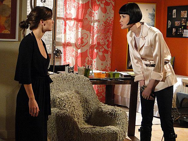 Melina quase avança em Diana e as duas discutem