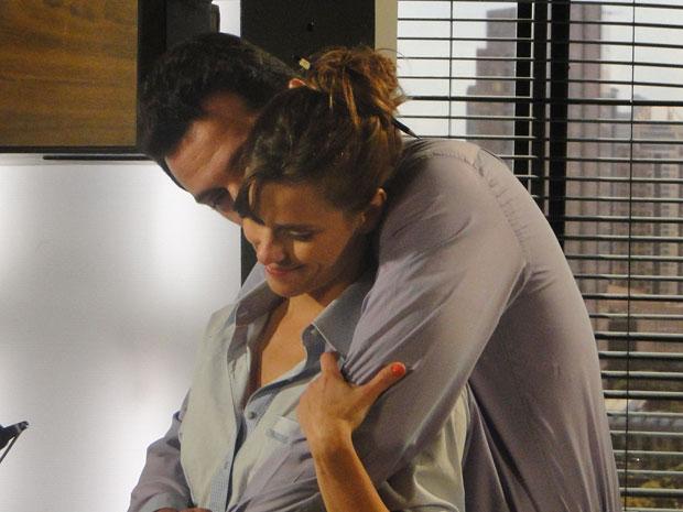 Diana e Mauro comemoram, mas a jornalista não revela como fez Gerson aceitar o divórcio