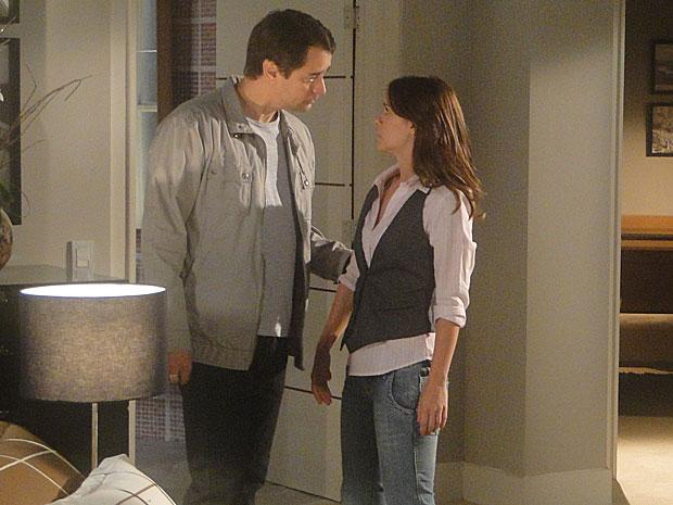 Gerson pega Diana à força