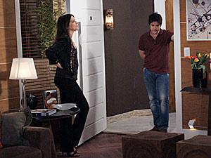 Ari tira satisfações com Suzana