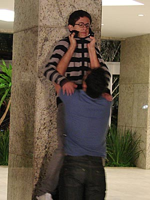 Marcão prende Lipe que é salvo por Thaísa