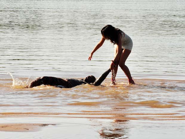 Nancy retira Pimpinela do rio