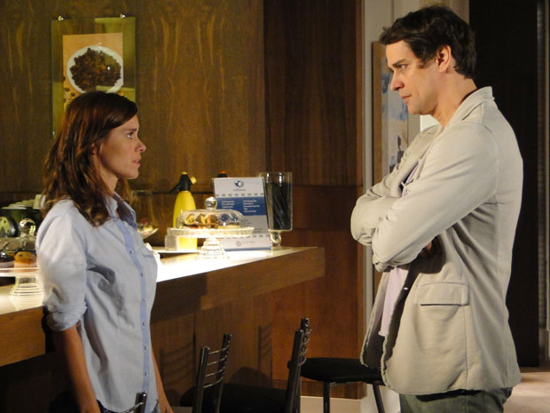 Gerson fica apavorado quando Diana ameaça revelar o segredo dele