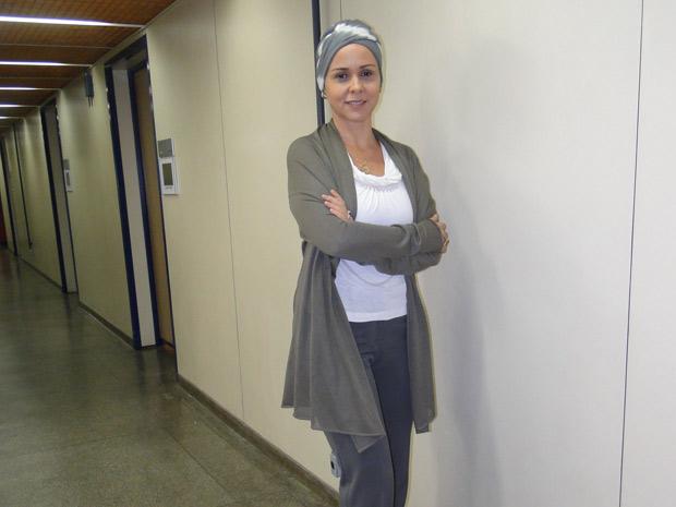 A atriz vestida como Bruna