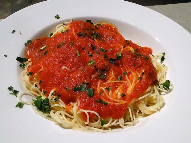 Spaghetti ao sugo: aprenda a fazer um molho delicioso