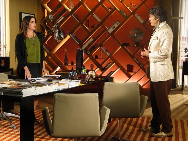 Jacques Leclair pressiona Suzana a falar qual a verdadeira relação entre ela e Victor Valentim