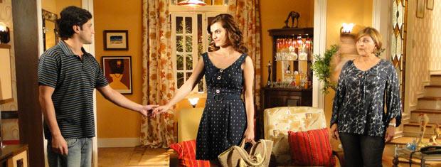 Armandinho e Desirée vão contar para Nicole que resolveram ficar juntos