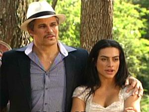 Estela e Fernando não acreditam na previsão de Terê