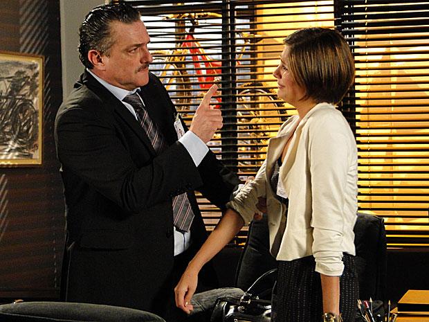 Pela segunda vez, Saulo dá bofetada em Lorena