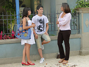 Marta pede explicações sobre o emprego de Gabi
