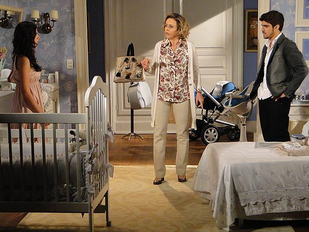 Edgar assume que está apaixonado por Marcela e Bruna fica revoltada