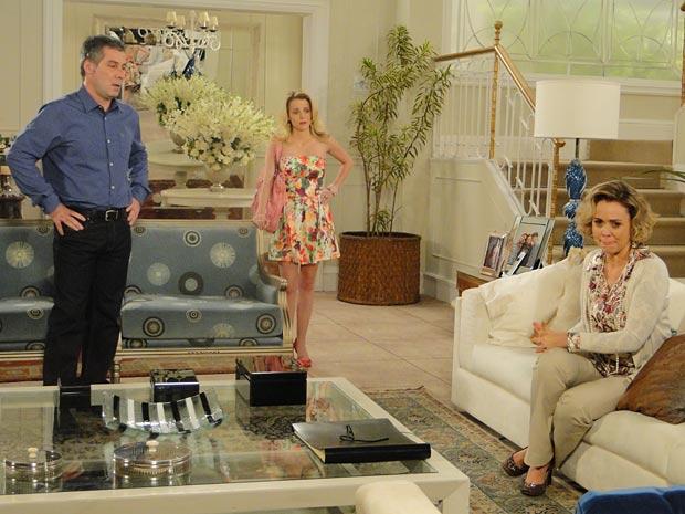 Camila descobre que Edgar e Marcela estão juntos