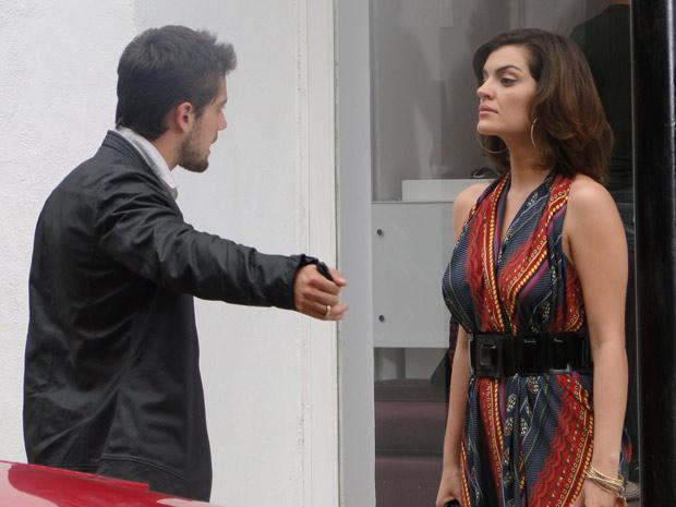 Desirée diz a Jorgito que não gostou dele ter ficado com nojo de Armandinho