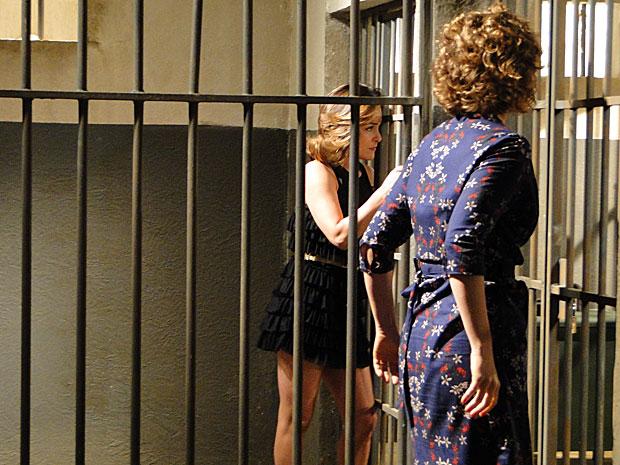 As duas são alojadas em celas separadas