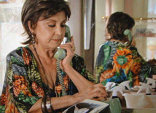 Beatriz resolve ligar para Mariquita