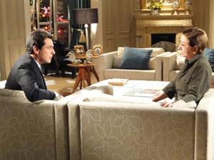 Bete diz a Mauro acreditar que Stela esteja mentindo