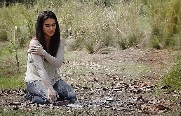 Estela quer salvar Solano