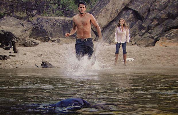 Fred e Manuela resgatam Solano