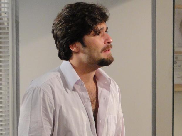 Berilo fica arrasado ao optar por nunca mais ver Jéssica e Olavinho