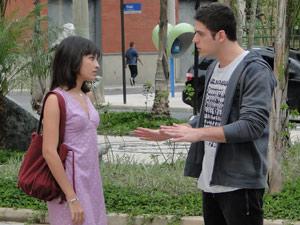 Pedro convida Gabi para ir ao parque com ele