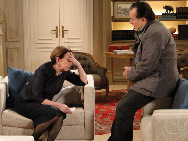Bete fica arrasada ao desconbrir que Agnello pode estar por trás da morte de Saulo