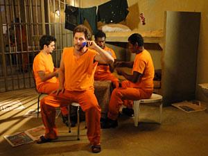 Massa atende Jaqueline da cadeia