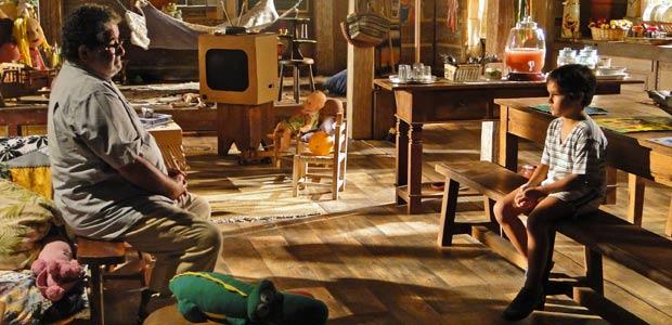 Padre Emílio quer saber por que Tomé fugiu do sítio