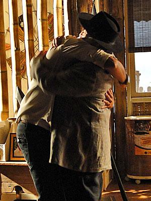Fred e Max: um abraço aguardado