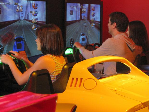 A família se diverte com jogos eletrônicos
