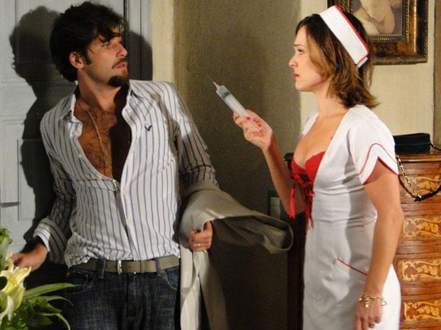 Após a confusão, Jéssica coloca Berilo contra a parede