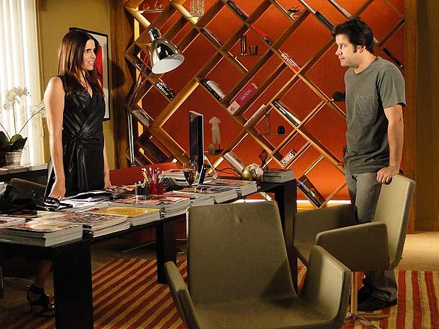 Suzana diz que quer ser atendida como cliente VIP por Victor Valentim e Ari não gosta