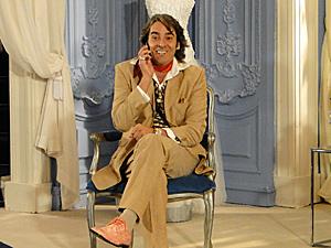 Jacques (Alexandre Borges) faz vestido de noiva de Marcela (Isis Valverde)_02