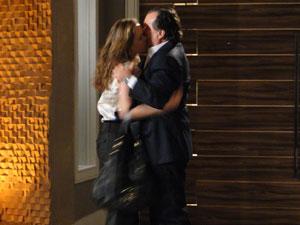 Totó beija Clara