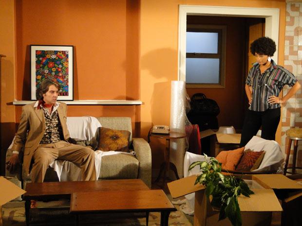 Clotilde avisa Jacques que está partindo com Ricardinho