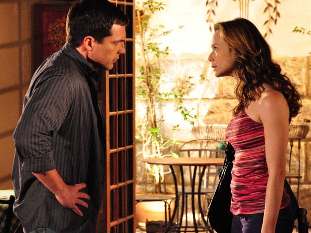 Clara discute com Diogo