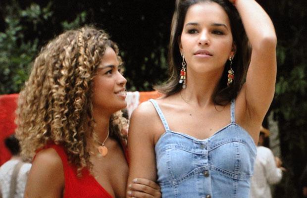 Nancy pede ajuda a Esmeralda: quer virar internauta