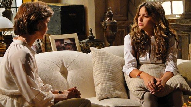 Manuela desabafa e conversa com Amélia sobre Solano