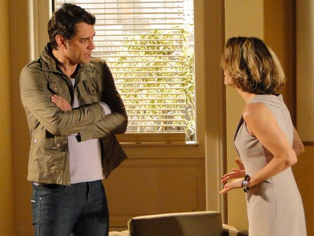 Stela discute com Gerson, pois afirma que Danilo não matou Saulo