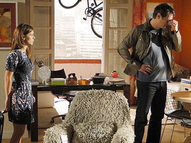 Desesperado, Gerson pede ajuda a Diana