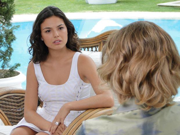 Marcela coloca Bruna contra a parede e ameaça romper relações com ela