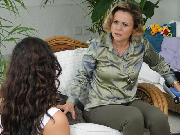 Bruna fica atônita com a decisão de Marcela, mas dá o braço a torcer