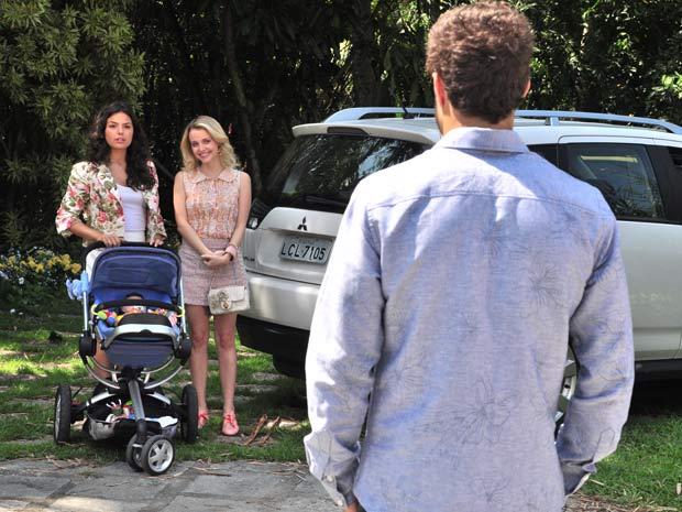 Camila leva Marcela ao encontro de Edgar