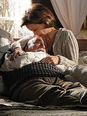 Max dorme no colo de Amélia
